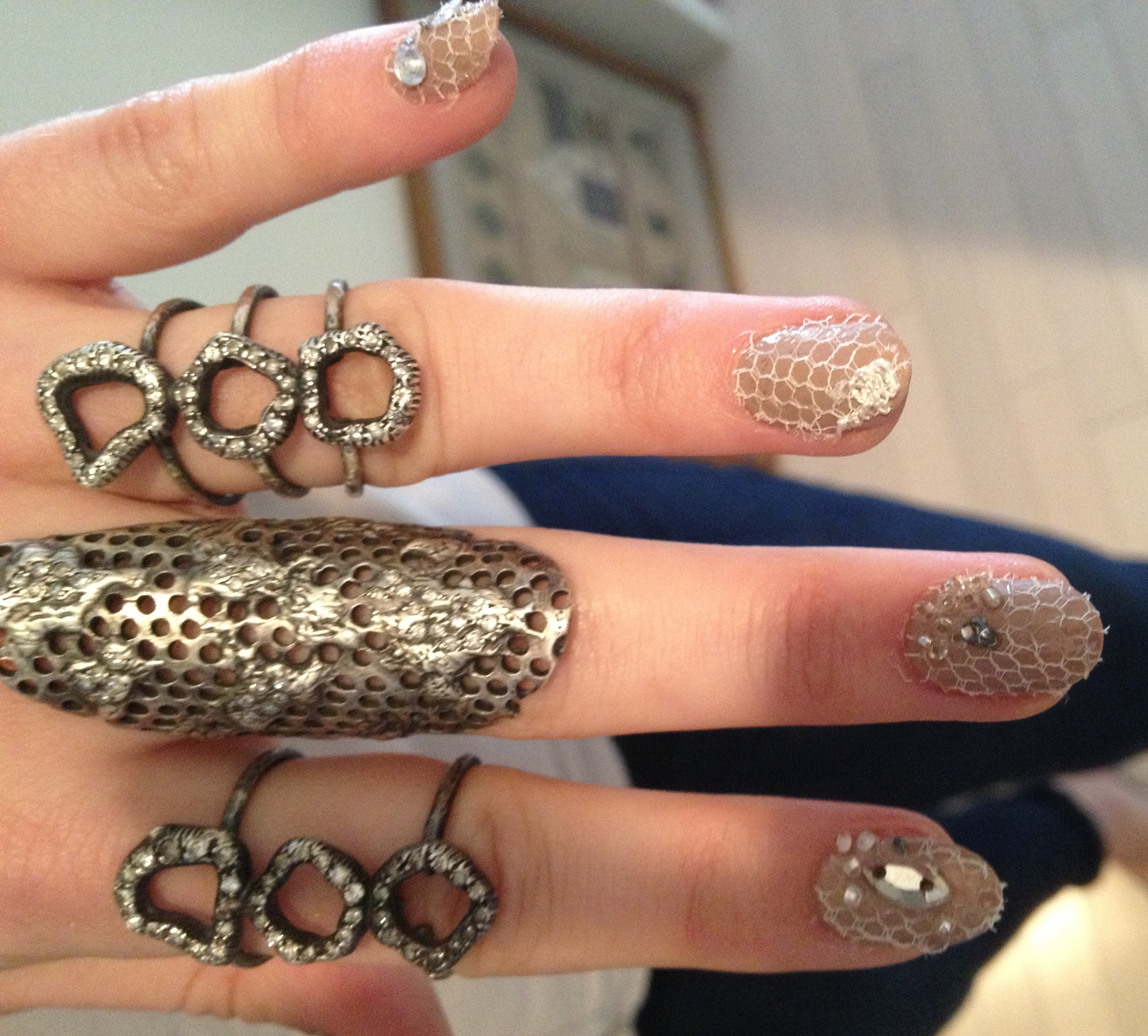 Emmy Nail MET BALL13