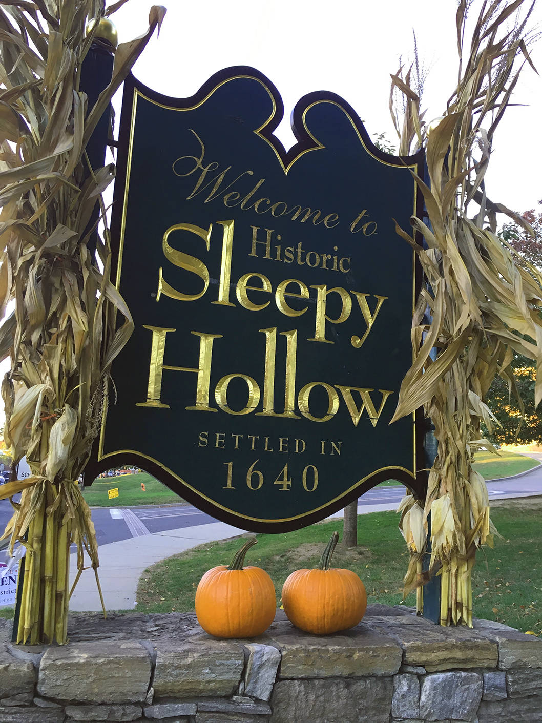 welcome-to-historic-sleepy-hollow-sign